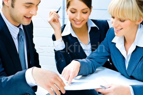 Photo stock: Travail · d'équipe · femme · d'affaires · plan · travaux · pointant