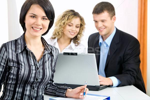 Mooie specialist vergadering tabel kantoor vrouwen Stockfoto © pressmaster