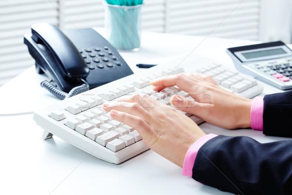 事務 クローズアップ 女性 ビジネス コンピュータ 手 ストックフォト © pressmaster