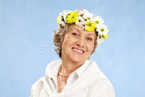 Stock fotó: Kopott · női · portré · érett · nő · nő · virág