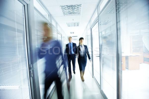 люди служба деловые люди ходьбе коридор бизнеса Сток-фото © pressmaster
