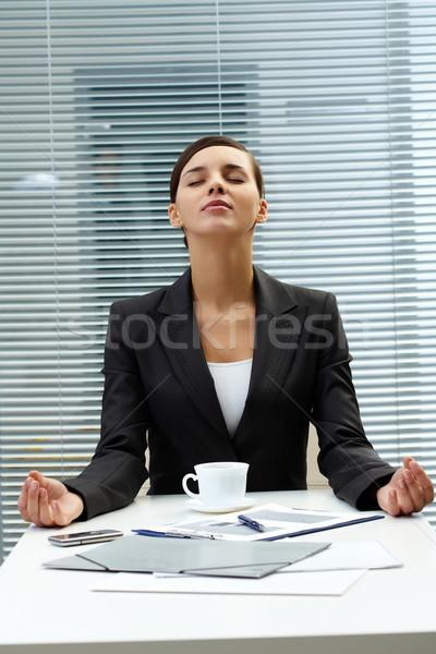 Meditando empleador imagen jóvenes mesa negocios Foto stock © pressmaster
