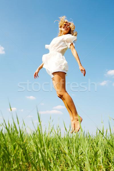 Excitation photo fille heureuse herbe verte été jour Photo stock © pressmaster