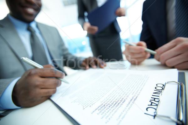 Stock fotó: Tárgyalás · kép · szerződés · munkahely · csoport · partnerek