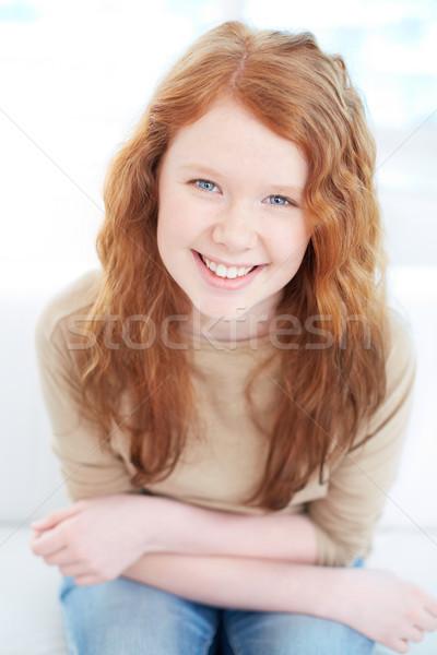Cute verticaal portret meisje vergadering naar Stockfoto © pressmaster