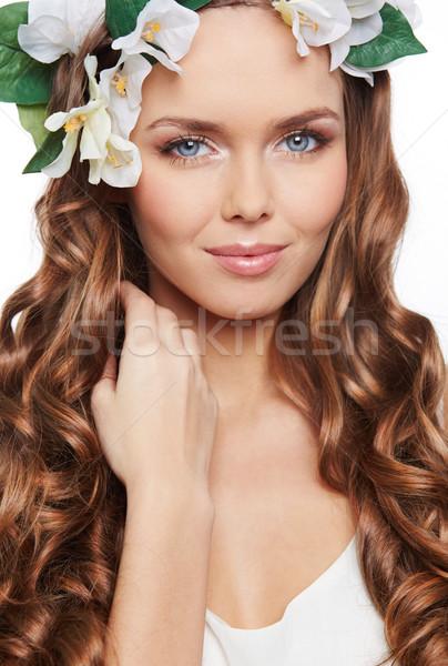 Wiosną urok młoda kobieta stwarzające kamery Zdjęcia stock © pressmaster
