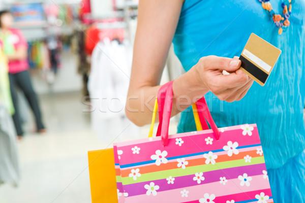 Consumismo primo piano donna mano sfondo shopping Foto d'archivio © pressmaster