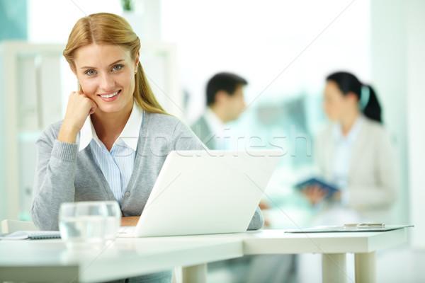 Foto stock: Mujer · lugar · de · trabajo · retrato · bastante · secretario · de · trabajo