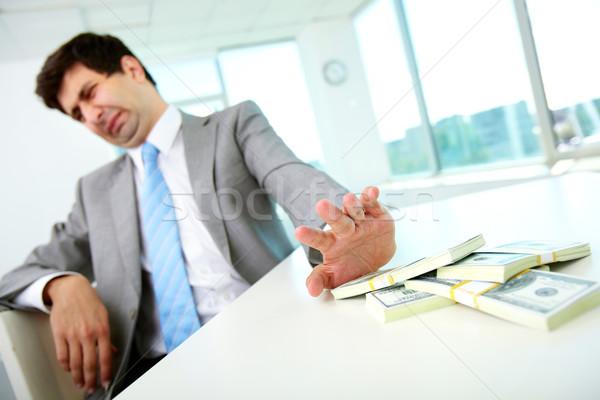 Afwijzing afbeelding mannelijke werknemer bewegende Stockfoto © pressmaster
