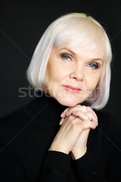 Szykowny kobiet portret dojrzały blond patrząc Zdjęcia stock © pressmaster