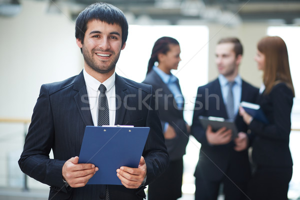 Empresario documento retrato amistoso masculina líder Foto stock © pressmaster