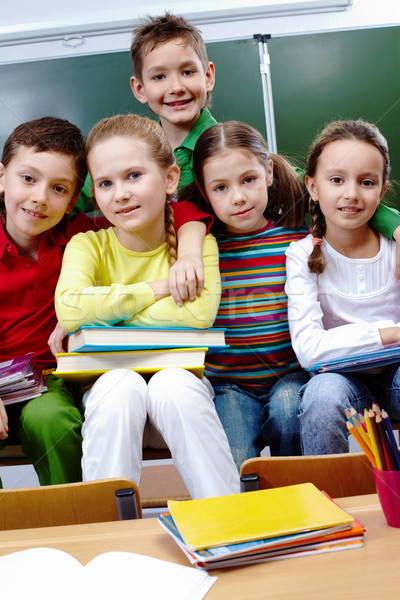 同學錄 學校 肖像 快樂 孩子 看 商業照片 © pressmaster