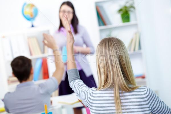Foto stock: Conocimiento · vista · posterior · inteligente · adolescente · brazo · responder