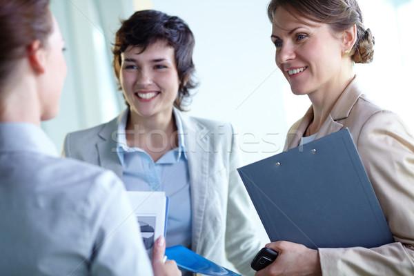 Interacción imagen empresarias negocios mujer reunión Foto stock © pressmaster