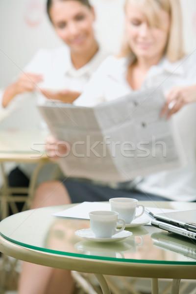 Iki tablo kâğıt kalem arka plan Stok fotoğraf © pressmaster