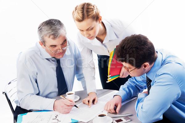 Magyaráz portré titkárnő mutat irat főnök Stock fotó © pressmaster