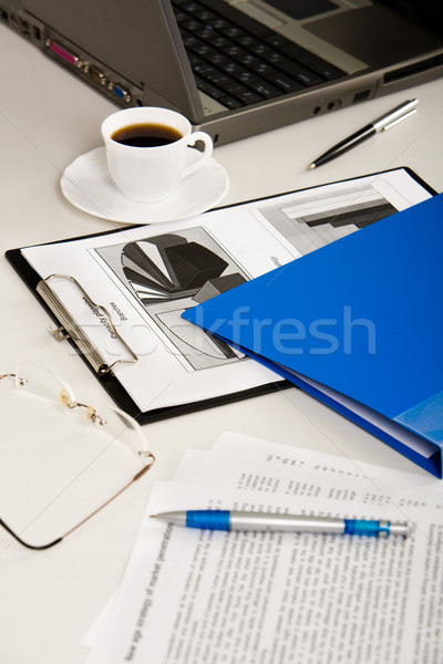 Affaires objets documents portable lunettes stylos Photo stock © pressmaster