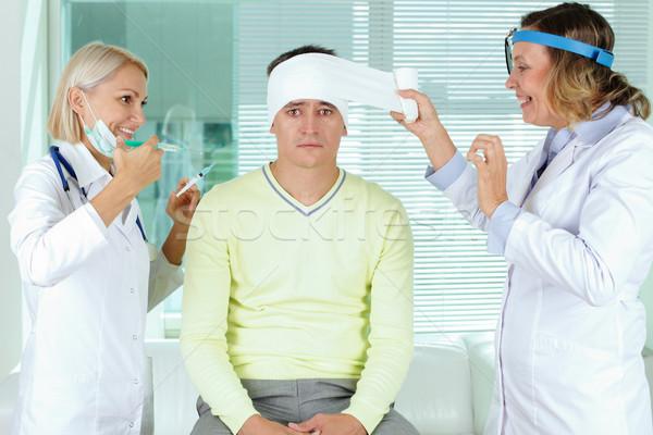 Stock fotó: Portré · kettő · óvatos · női · orvosok · elsősegély