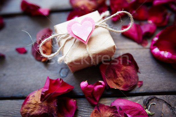 Cadeau tendresse image Valentin faible rose Photo stock © pressmaster