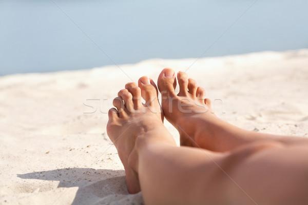 Mezítláb kép láb nő homokos tengerpart tengerpart Stock fotó © pressmaster