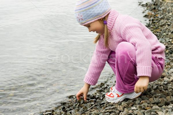 élvezi víz csinos lány ibolya ruházat Stock fotó © pressmaster