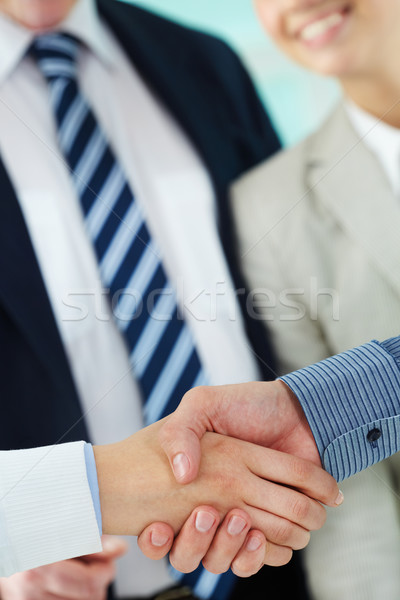 Confiance photo handshake signature contrat Photo stock © pressmaster