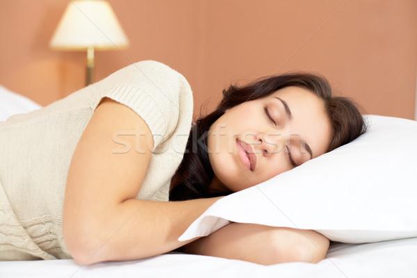 Mooie meisje bed home schoonheid hoofd Stockfoto © pressmaster