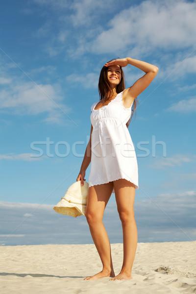 Foto stock: Menina · praia · imagem · feminino · vestido · branco · em · pé