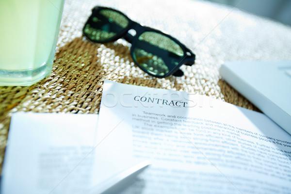 бизнеса объекты изображение договор пер Солнцезащитные очки Сток-фото © pressmaster