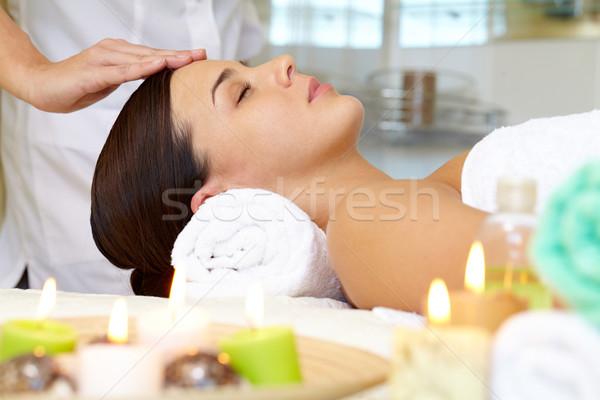 Luxueus procedure portret jonge vrouwelijke genieten Stockfoto © pressmaster