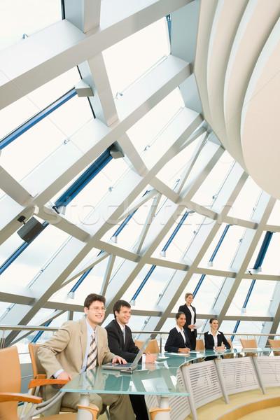 Negocios preguntas profesionales sesión vidrioso Foto stock © pressmaster