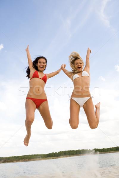 Joyeux filles portrait deux lac vacances d'été Photo stock © pressmaster
