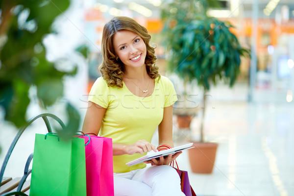 Touchpad alışveriş portre genç kadın kız Stok fotoğraf © pressmaster