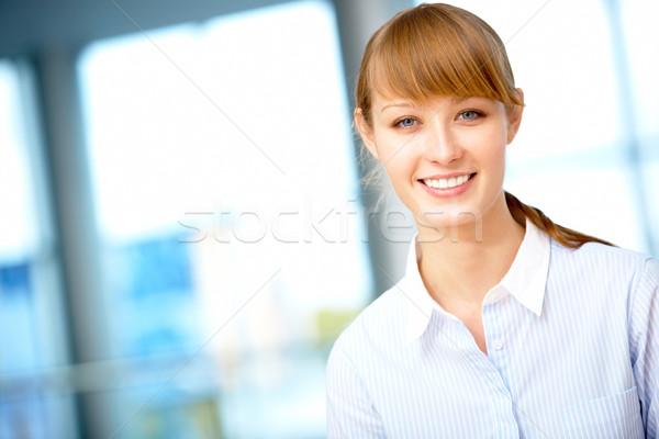 Stockfoto: Mooie · zakenvrouw · portret · vrouwelijke · naar · camera