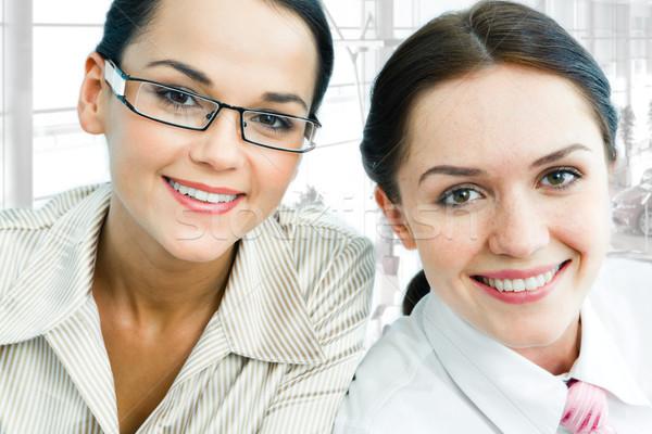 Stock fotó: Kettő · hölgyek · arcok · derűs · üzletasszonyok · néz