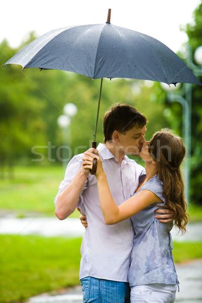 Stock fotó: édes · csók · portré · romantikus · pár · átkarol