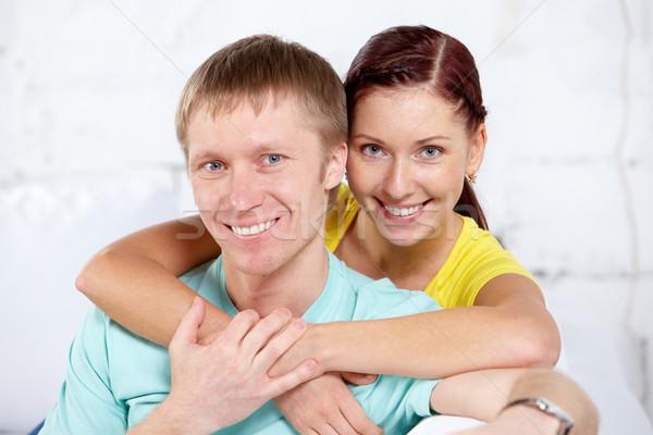 Feliz casal retrato olhando câmera cara Foto stock © pressmaster