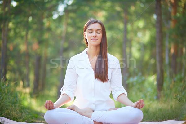 Duchowe praktyka portret kobieta posiedzenia Zdjęcia stock © pressmaster