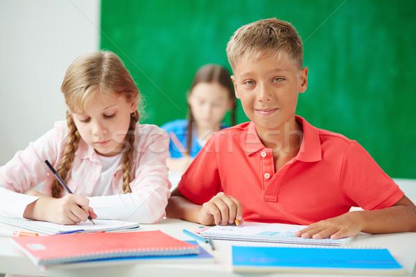 Stockfoto: Kinderen · tekening · les · cute · schooljongen · naar