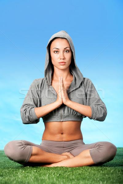 Vitalité portrait femme méditer posent Lotus Photo stock © pressmaster