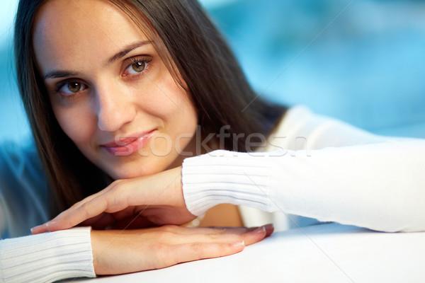 Encanto imagem bastante mulher olhando Foto stock © pressmaster