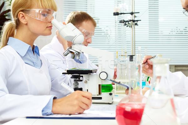Stok fotoğraf: Laboratuvar · bilim · adamları · eğitim · kadın · adam