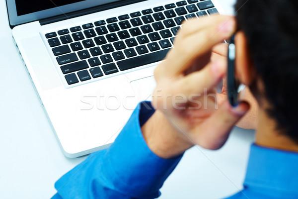 связь фото открытых ноутбука призыв бизнесмен Сток-фото © pressmaster
