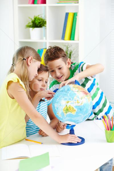 étudier géographie portrait curieux travail Photo stock © pressmaster