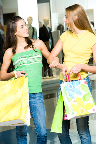 дружественный разговор портрет две женщины торговых Сток-фото © pressmaster