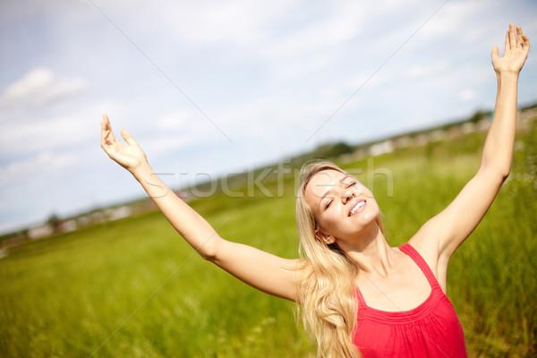 Gebaar afbeelding gelukkig vrouwelijke armen Stockfoto © pressmaster