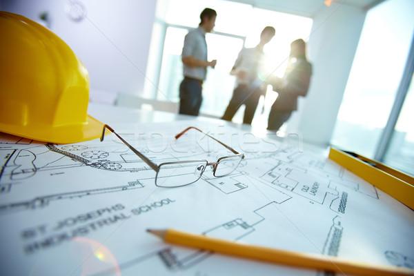 Mérnöki tárgyak kép munkahely három partnerek Stock fotó © pressmaster