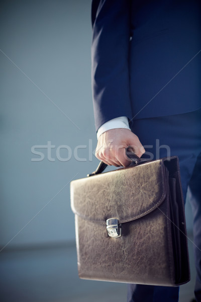 Cuir serviette vertical image homme d'affaires Photo stock © pressmaster