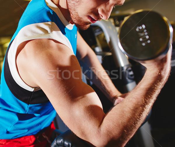Spieren arm sterke man oefening barbell Stockfoto © pressmaster