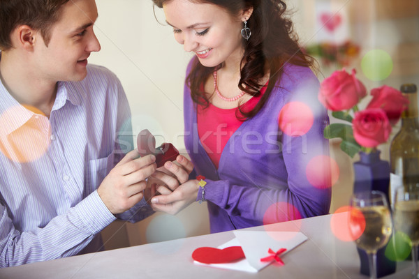 Engagement junger Mann Verlobungsring Restaurant trinken Stock foto © pressmaster